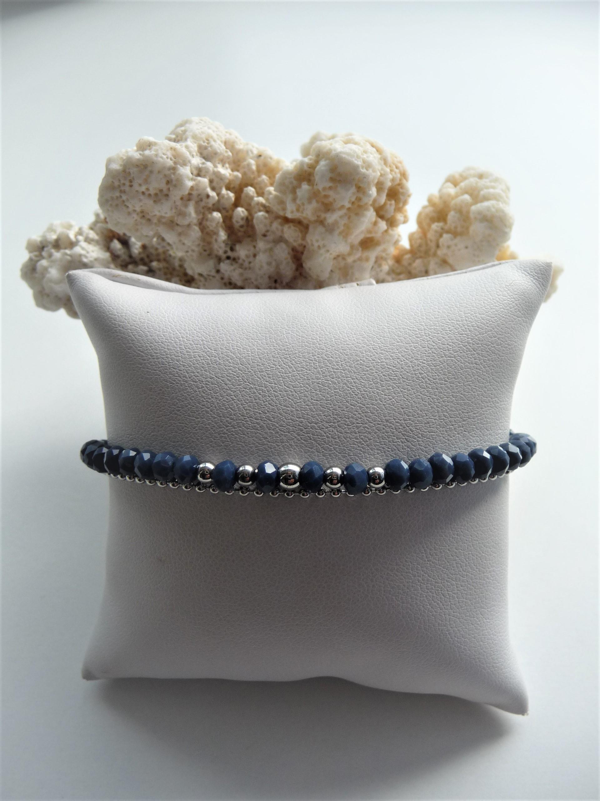 Perles en verre bleu pétrol, perles et chaine acier inox